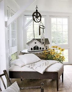 Architectural designer Nancy Fishelson transformed this 1975 clapboard house in Woodbury, Connecticut into an open and airy country gem. Farmhouse Chic, White Farmhouse, French Farmhouse, Vintage Farmhouse, Rustic White, White Rooms, White Decor, Little Houses, Kid Beds