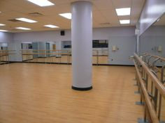 Not only for gymnasiums! As part of the NYC Department of Education's initiative for more active, healthier children, the school converted a space within the existing school into a dedicated dance studio for the students using Tarkett Sports Omnisports 6.5 at the Robert Wagner Secondary School of Arts & Technology in Queens.