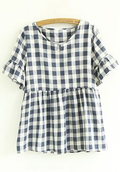 ever knew I would like the picnic table pattern but this shirt is so cute Looks Style, Style Me, Pretty Outfits, Cute Outfits, Spring Summer Fashion, Autumn Fashion, Inspiration Mode, Blue Plaid, Printed Shorts