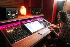 Home Studio Desk, Music Studio Room, Studio Setup, Studio Equipment, Studio Gear, Home Deco Furniture, Studio Headphones, Recording Studio Design, Sound Design