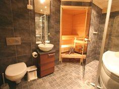 A  B kylpyhuone, poreallas ja sauna