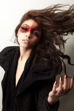 SO INSPIRED BY THE MAKEUP ARTIST THAT DID HER FACE ! Risa     (http://makeupbyrisa.blogspot.com/