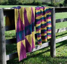 Stripes And Arrows Afghan - Intarsia crochet