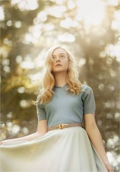 Take the Elle Train Krista Smith and Sam Jones spotlight Elle Fanning, the star of Sofia Coppolas Somewhere. By Krista Smith Photograph by Sam Jones Elle Fanning, the sister of that other seasoned actress Dakota Fanning (who is takes a giant step… Dakota Fanning Y Elle, Poses, Vanity Fair, Belle Photo, Girl Crushes, Beautiful People, Beautiful Forest, Fashion Photography, Celebs