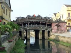 The Japanese Covered Bridge in Hoi An's Ancient Quarter Visit Vietnam, Hoi An, Covered Bridges, Hanoi, Old Things, Japanese, City, Places, Travel