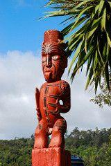 Maori wood art (draculina_ak) Tags: newzealand rotorua northisland maori woodcarving neuseeland maoriart tepuia holzschnitzerei