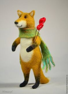 Needle felted Valentine fox by Krupennikova Oxana. Войлочная игрушка лис-валентинка, Крупенникова Оксана.