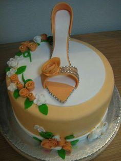 Fondant high heel shoe cake by Ema slastice