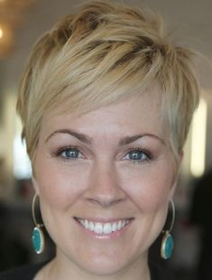 9 Best Short Haircuts for Women Over 50 | Styles At Life