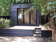Office In My Garden is a bespoke Garden Room Company based in North London specialsing in the construction of Garden Rooms, Garden Offices and Summerhouses Outdoor Office, Backyard Office, Backyard Studio, Backyard House, Outdoor Garden Rooms, Garden Rooms Uk, Shed Office, Garden Pods, Garden Cabins