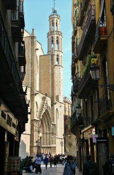 Santa María del Mar  de #Barcelona http://www.viajarabarcelona.org/lugares-para-visitar-en-barcelona/iglesia-de-santa-maria-del-mar/