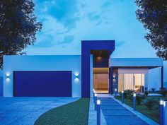 Single Family Homes project in MOOLOOLABA, AU designed by Anonymous - Modern Australian house facade Small Modern House Exterior, Modern Exterior Doors, Best Modern House Design, Modern House Facades, Design Exterior, Dream House Exterior, Modern Architecture House, Flat Roof House, Facade House