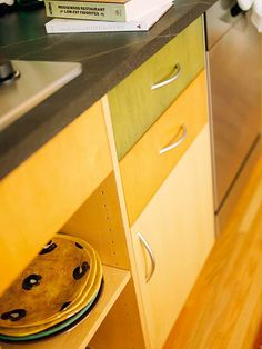 30 ways to update your kitchen cabinets!
