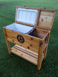 Another quality Custom cooler by Custom Woodworkz. See them on Facebook.
