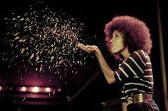 Black Event: Esperanza Spalding live in Philadelphia PA on Sunday, Esperanza Spalding, Jazz, Music Photo, Celebrity Gossip, Ethereal, Style Icons, Black Gold, Pop Culture, Celebrities