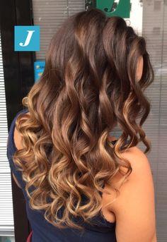 Unico. Degradé Joelle. #cdj #degradejoelle #tagliopuntearia #degradé #igers #musthave #hair #hairstyle #haircolour #longhair #ootd #hairfashion #madeinitaly #wellastudionyc
