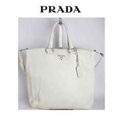 #WhiteFriday! Bolsa #Prada linda com alça longa por 3x de R$ 966,67 sem juros!!  #_prettynew #ShopOnline #PradaBag