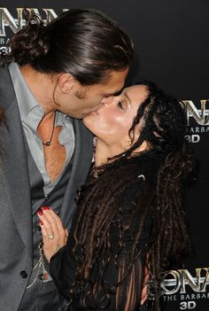 """Lisa Bonet Jason Momoa Photos Photos - Actor Jason Momoa and actress Lisa Bonet attend the world premiere of """"Conan The Barbarian"""" held at Regal Cinemas L.A. Live on August 11, 2011 in Los Angeles, California. - Premiere Of Lionsgate Films' """"Conan The Barbarian"""" - Arrivals"""
