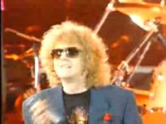 All the Young Dudes - Live! - Mott the Hoople, David Bowie - YouTube