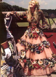 Bohemian Old English Flower Beauty of a dress l Gwyneth Paltrow