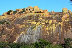Some of the colourful boulders of the Matobo Hills, Zimbabwe - photo from tracks4africa blog; bornhardt and koppies Amazing Photos, Cool Photos, John Rhodes, Gods Creation, Places Of Interest, Zimbabwe, Amazing Nature, Ancestry, Bouldering