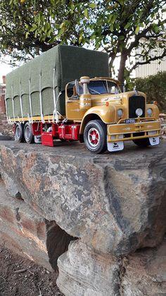 Old Mack Trucks, Model Truck Kits, Rc Crawler, Cute Horses, Commercial Vehicle, Diecast Models, Classic Trucks, Rigs, Scale Models