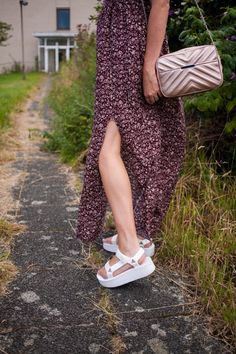 Outfit: off shoulder maxi dress, Teva flatforms Cute Summer Outfits, Spring Outfits, Cute Outfits, Sandals Outfit, Sport Sandals, Chunky Sandals, White Sandals, Maxi Dress With Slit, Boho Outfits
