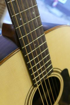 Mayson ESM50 - marquis model. The Mayson Elementary Series ESM 50 is a beautiful and warm sounding guitar. The rosewood sides and back provide a solid bass, warm mids and sparkling highs.