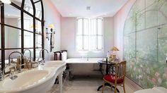 Two-bedroom flat in London for sale