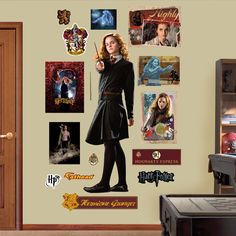 Fathead Harry Potter Hermione Granger - Half-Blood Prince Peel and Stick Wall Decal Coque Harry Potter, Harry Potter Quiz, Harry Potter Merchandise, Harry Potter Theme, Harry Potter Characters, Severus Hermione, Harry Potter Hermione Granger, Harry Potter Stencils, Harry Potter Accessories