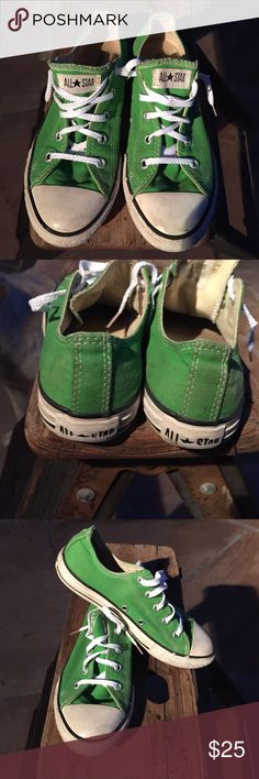 Green Converse Kids Size 2 Girl or Boy size 2. Still plenty of use left in these Converse Shoes Sneakers