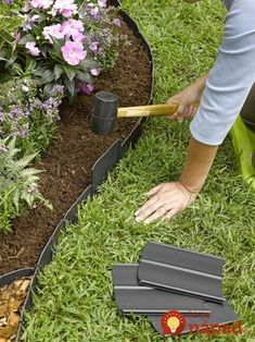 Front Yard Landscaping Discover Pound-In Plastic Landscape Edging - Lawn Edging Plastic Lawn Edging, Plastic Landscape Edging, Flower Landscape, Green Landscape, Watercolor Landscape, Landscape Paintings, Dig Gardens, Outdoor Gardens, Small Gardens