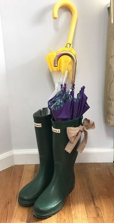 Here are 4 clever ways to use old boots in your decor
