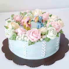 flower buttercream cake my little pony