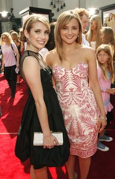 """Rachael Leigh Cook Photos - Actors Emma Roberts (L) and Rachael Leigh Cook attend the premiere of the Warner Bros. film 'Nancy Drew' on June 2007 at the Grauman's Chinese Theatre in Hollywood, California. Premiere Of """"Nancy Drew"""" - Arrivals Rachel Leigh Cook, Strapless Dress Formal, Formal Dresses, Emma Roberts, In Hollywood, Eye Candy, Classy, Actresses, Actors"""