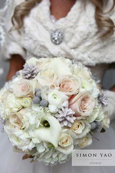 simonyao.com #weddingflowers #bridalbouquets  #winterweddings Columbus Ohio Wedding Photographer