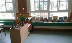 Biblioteca de aula.  FUNDACIÓN ESCOLAPIAS MONTAL  Colegio La Inmaculada   Cada semana se cambia de libros. Fomento a la lectura.