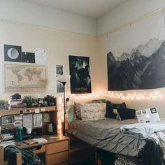 Stunning and cute dorm room decorating ideas (56)