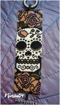loom beading for beginners Bead Loom Bracelets, Beaded Bracelet Patterns, Bead Loom Patterns, Weaving Patterns, Jewelry Patterns, Loom Bands, Beaded Banners, Beadwork Designs, Beaded Cross