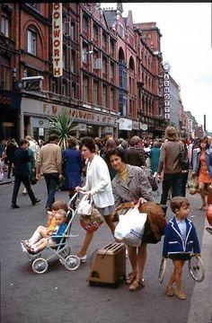 Henry street Ireland Pictures, Images Of Ireland, Old Pictures, Old Photos, Erin Go Bragh, Ireland Homes, Dublin City, Irish Celtic, London Street