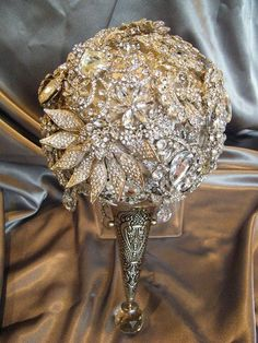 The Annemarie crystal brooch bouquet by CrystalBroochBouquet