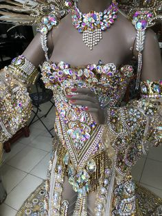 Samba, Carnival Outfits, Festival Costumes, Creative Costumes, Fashion Mask, Fantasy Dress, Bikini Workout, Costume Makeup, Elegant Dresses
