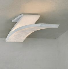 Spline: lámparas de suelo y techo creadas por A-cero para Arturo Alvarez