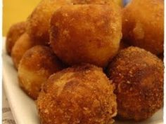 Croquetas de bacalao y gambas, foto 1 Tapas Recipes, Gourmet Recipes, Appetizer Recipes, Appetizers, Dinner With Friends, Good Healthy Recipes, Beignets, Food To Make, Muffin