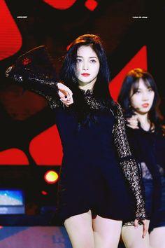Kpop Girl Groups, Korean Girl Groups, Kpop Girls, Euna Kim, Ioi Members, Best Kpop, Chinese Actress, Stage Outfits, Pledis Entertainment