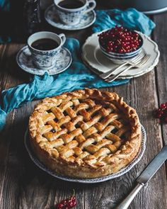 Karamelové mini cheesecaky - Coolinári | food blog Apple Pie, Cheesecake, Desserts, Blog, Mini, Basket, Tailgate Desserts, Deserts, Cheesecakes
