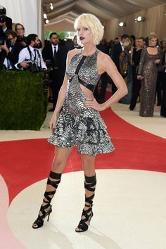 What were you thinking Taylor Swift? Met Gala 2016
