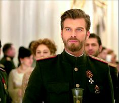 Hello, elegants in this video we will look at the top 5 most Handsome Turkish actors. This video brings you the best stylish Turkish actors. Turkish People, Turkish Men, Turkish Beauty, Turkish Actors, Beautiful Men Faces, Most Beautiful Man, Kurt Seyit And Sura, Feriha Y Emir, New Museum