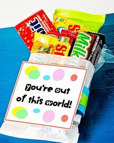 You're Out of This World Gift Idea Volunteer Appreciation, Teacher Appreciation Gifts, Teacher Gifts, Parent Gifts, Student Gifts, Volunteer Gifts, Food Gifts, Craft Gifts, Diy Gifts