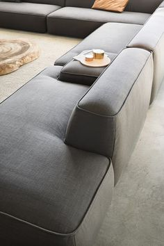 Flexible living: LEMA's latest upholstered seating systems Cloud by LEMA - Mobilier de Salon Chaise Sofa, Sofa Chair, Sofa Set, Sectional Sofa, Chair Pads, Upholstered Chairs, Furniture Styles, Sofa Furniture, Furniture Design